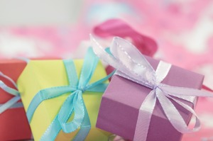 gift-553140_1280